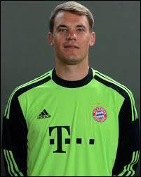 Comme goal titulaire, je choisirais un Allemand, il joue au Bayern Munich, son nom est...