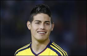 Comme troisième ailier gauche, je mettrais James Rodriguez, évoluant au Real Madrid (lui aussi) de nationalité colombienne comme son compatriote...