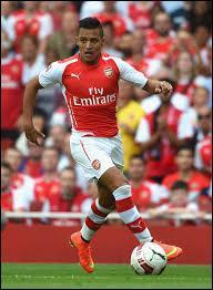 Je choisirais ensuite un joueur d'Arsenal comme ailier droit remplaçant son prénom est Alexis, il est...