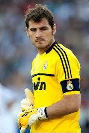Comme troisième gardien de but... Je mettrais cet Espagnol qui joue au Real Madrid Club de Fútbol, son prénom est....