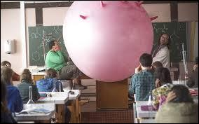 Quel professeur déclare : « Aujourd'hui, on invente un exercice, on le fait, on le corrige, tout seul et en silence, HOP, c'est parti ! » ?
