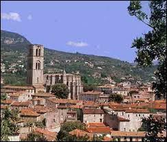 Nous partons à la découverte de Lodève. Sous-préfecture Héraultaise, elle se situe en région ...