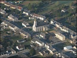 Voici la commune centriste de Sainte-Lizaigne vue du ciel. Elle se trouve dans le département ...