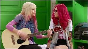 Comment vont se déguiser Violetta et Francesca ?
