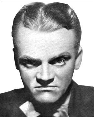 Mars : Regarde la photo ! Et rappelle-toi mon nom : James Cagney ! Dans les années 30, à Hollywood, on faisait appel à moi pour jouer...