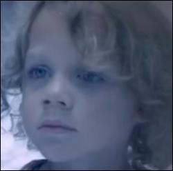 Qu'est-il vraiment arrivé à Freya, le premier enfant d'Esther et Mikael ?