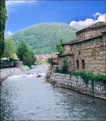 Au retour, petite escale chez Astrid, pour prendre un hammam dans l'antique Euneum (Tetovo), un peu perdue dans ses montagnes de/des ...