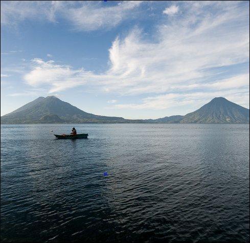 Finalement, je me décide à ne pas rentrer en France ; j'ai reçu un message de Jorge qui m'invite pêcher sur le lac Atitlan ! Mais c'est où, déjà ?