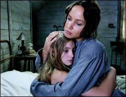 Quel surnom Katniss donne-t-elle à sa sœur au début du film ?