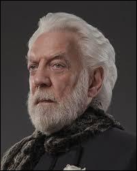 Pourquoi Snow a-t-il organisé les Hunger Games, il y a 74 ans ?