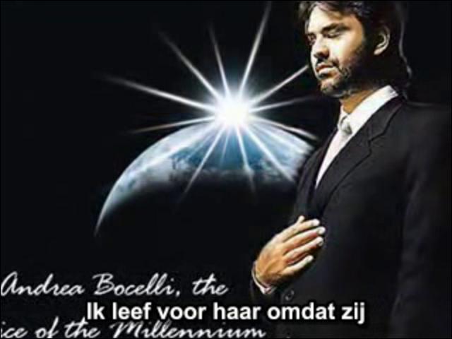 """La chanson """"Vivo Per Lei"""" est interprétée en italien et en français par Andrea Bocelli et... !"""