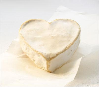 Quel est ce fromage en forme de coeur ?