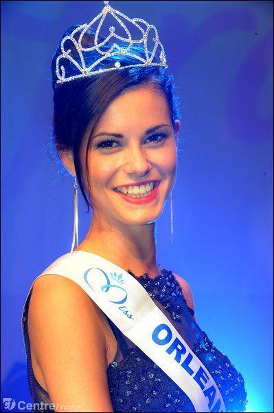 Qui a succédé à Flora Coquerel dans le rôle de Miss Orléanais ?
