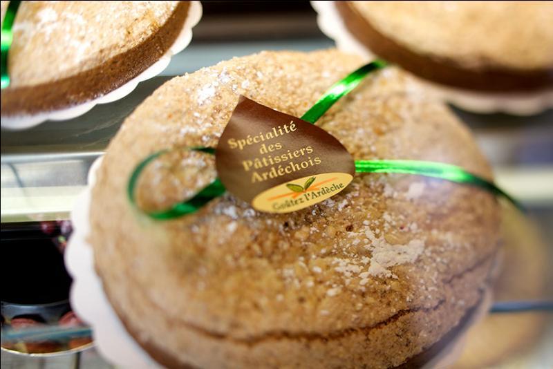Une joueuse de Quizz biz a craqué devant la vitrine d'une pâtisserie ardèchoise ! Elle va acheter un gâteau à la crème de marrons !