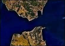 Quel détroit sépare le Maroc de l'Espagne ?