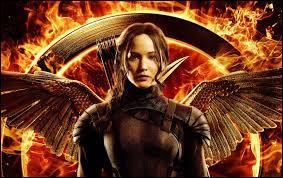 """Dans """"Hunger Games 3 part 1"""", complétez la chanson """"L'arbre du pendu """" : """"Veux-tu, veux-tu au grand arbre me trouver là où ils ont lynché leurs..."""