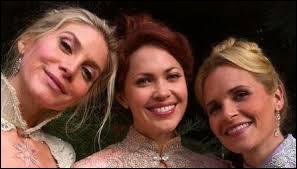 Comment Elsa et Emma se débarrassent-elles des rubans d'Ingrid ?