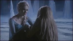 Dans quoi sont les souvenirs d'Emma et Elsa ?
