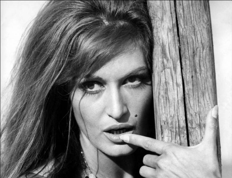 Qui était connue sous le nom de Dalida ?