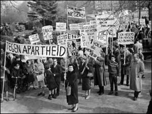 En quelle année fut conceptualisé et mis en place l'apartheid en Afrique du Sud ?