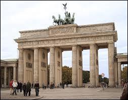 A l'est de l'Allemagne se situe ce monument, comment s'appelle t-il ?