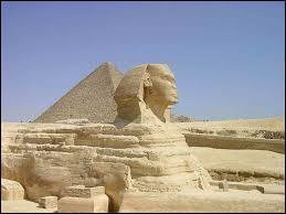 Ce monument se situe en Egypte pas très loin du Caire, il s'agit...