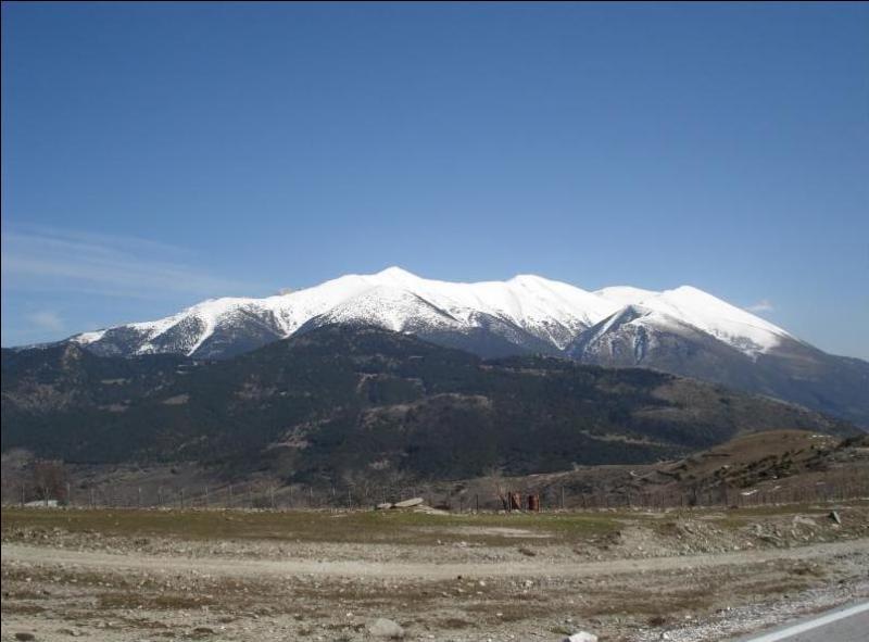 """Du sommet le plus élevé du mont Olympe : """"Kala xristougenna ! """". Je suis..."""