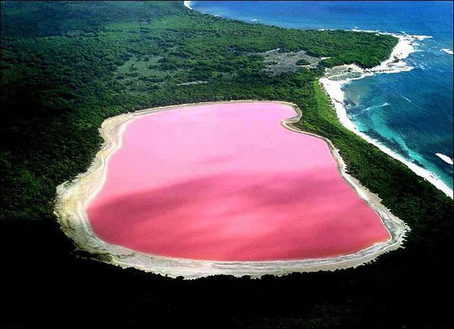 Ce magnifique lac est un montage, n'est-ce pas ?