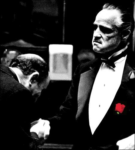 """Une mafia suppose un engagement réciproque de ses membres. Quel Mangemort fait l'erreur de déclarer au parrain """"Je me prosterne devant vous"""" alors qu'il l'a ignoré pendant 13 ans ?"""