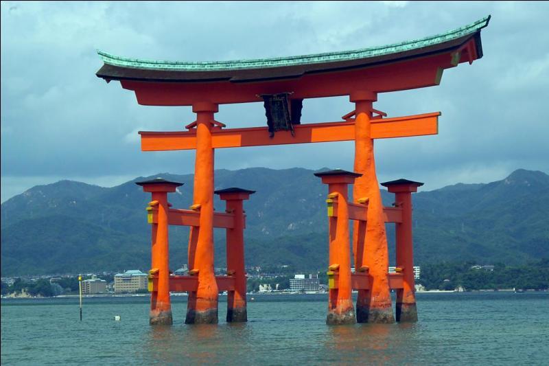 Quel pays pratique le shintoïsme (littéralement « la voie des dieux » ou « la voie du divin ») ?