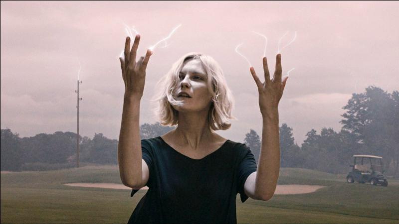 """Quelle actrice française interprète le rôle de Claire (sœur de Justine) dans le film """"Melancholia"""" réalisé par Lars von Trier en 2011 ?"""
