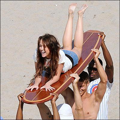 Quel âge à Miley Cyrus?