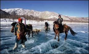 Les Kazakhs, peuple vivant au Kazakhstan, sont d'origine :