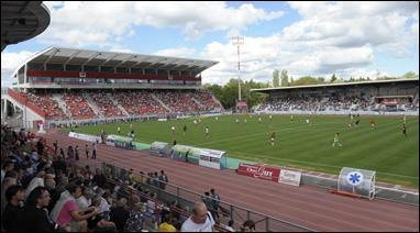 Stade du Dijon FCO. Quel est mon nom ?