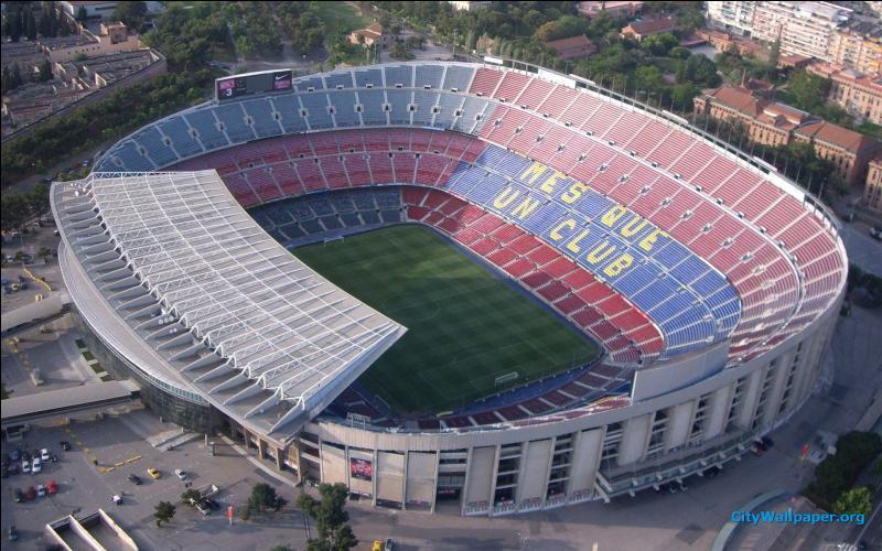 Stade du FC Barcelone. Quel est mon nom ?