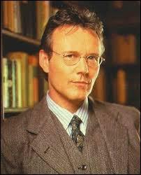 Dans quelle série apparaît Ruppert Giles ?