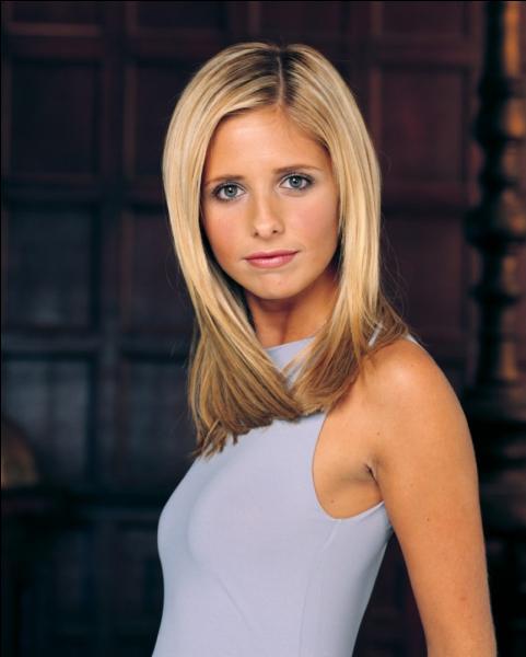 Dans quelle série apparaît Buffy Summers ?