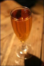 L'hydromel est une boisson fermentée à base d'eau et de ...
