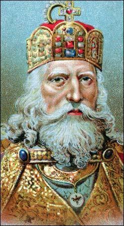 """Charlemagne est souvent affublé du sobriquet : """"l'empereur à la barbe fleurie"""". Pourquoi ce surnom ?"""