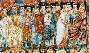 Comment s'appelaient les grandes assemblées au cours desquelles le souverain convoquait les seigneurs pour discuter de la gestion et des affaires militaires du pays ?