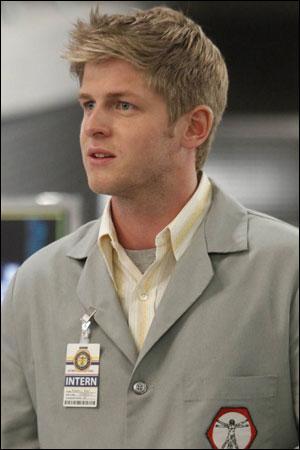 Je suis un interne au service du Dr Brennan.
