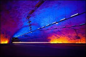Dans quel pays se trouve le plus long tunnel du monde ?