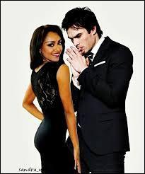 Avec qui Bonnie et Damon sont-ils coincés ?