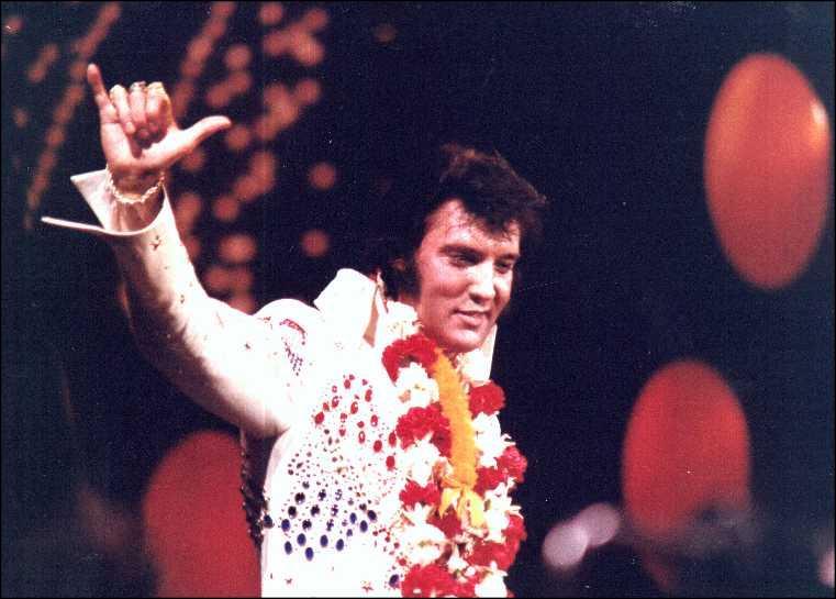 Où s'est déroulé son concert de 1973, rediffusé par satellite en direct à la télévision ?