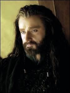 """Qui dit à Thorin """"je ne me cache pas derrière un mur pendant que d'autres mènent nos batailles à notre place"""" ?"""