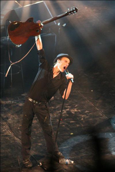 Son fils est chanteur .......