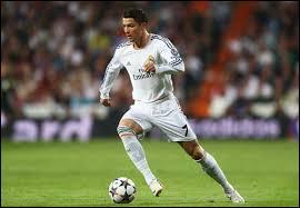 En 2009, le joueur qui porte le maillot n°7 de Manchester United est...