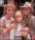Quel est le nom de famille des enfants dont s'occupe Mickaella ?