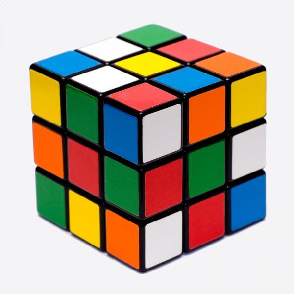 Quel est le volume d'un cube de 4 cm d'arête ?