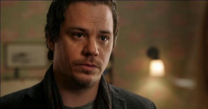 Qu'est-ce qui arrive à Neal à la fin de la saison 2 ?